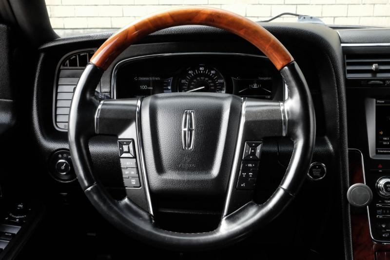 Lincoln Navigator 2015 price $22,990