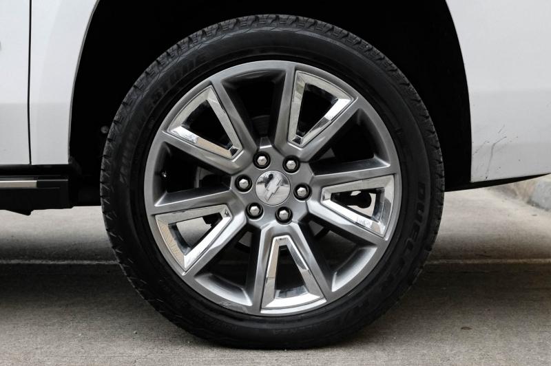 Chevrolet Suburban 2018 price $41,990