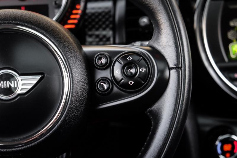 Mini Cooper Hardtop 2015 price $13,990