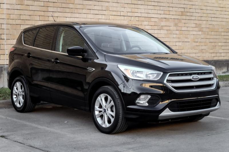Ford Escape 2017 price $13,990
