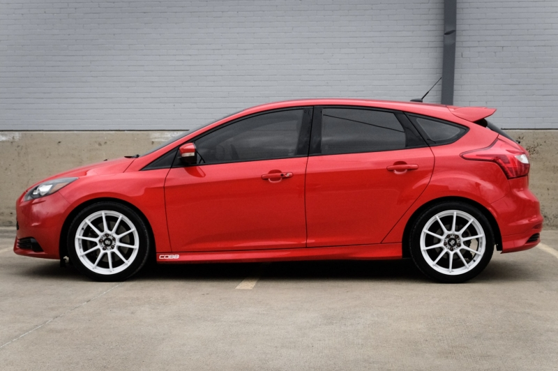 Ford Focus 2013 price $12,990