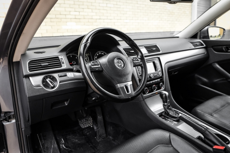 Volkswagen Passat 2014 price $10,490