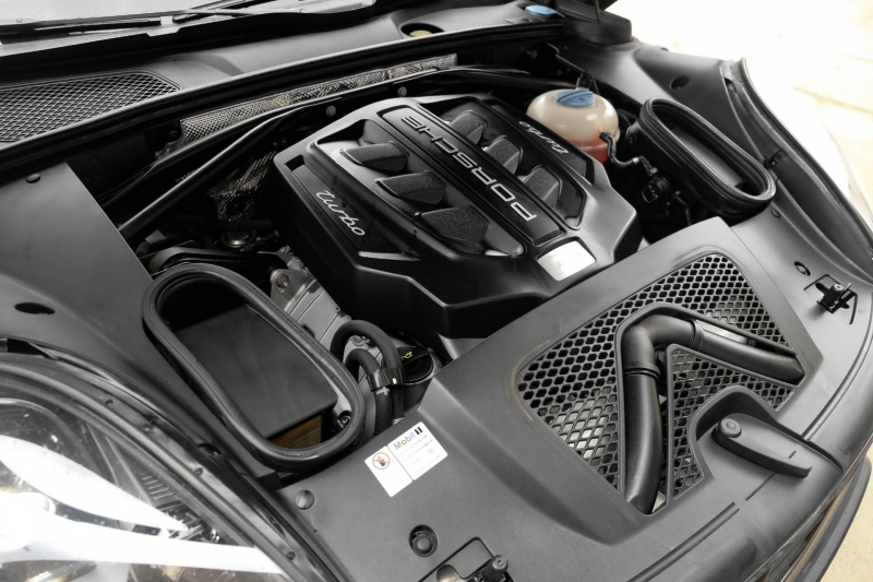 Porsche Macan 2015 price $41,990