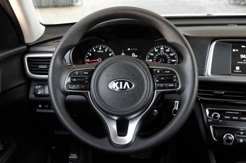 Kia Optima 2018 price $14,990