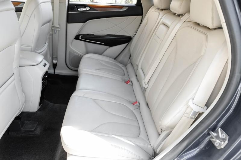 Lincoln MKC 2018 price $24,990