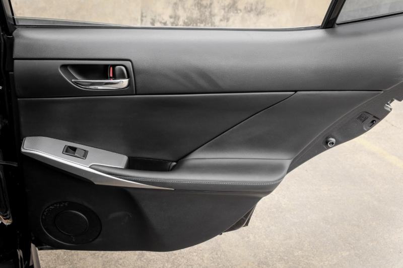 Lexus IS 200t 2016 price $20,990