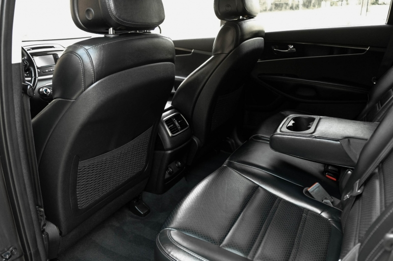 Kia Sorento 2016 price $16,990
