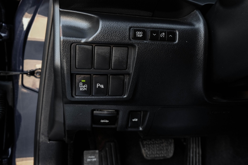Lexus IS 350 2014 price $21,990