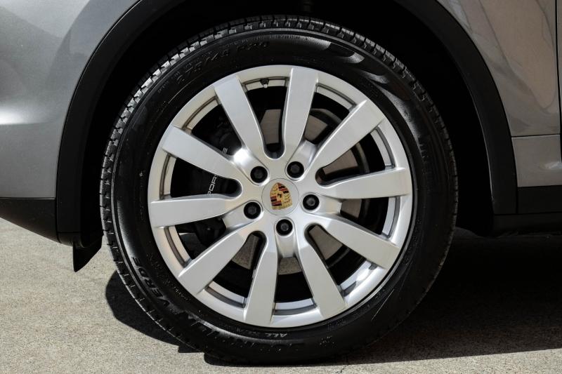 Porsche Cayenne 2014 price $27,990