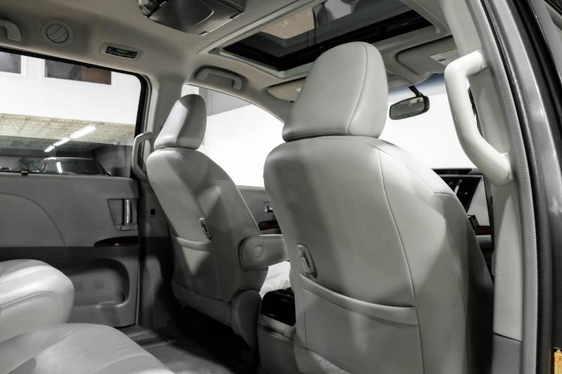 Toyota Sienna 2013 price $14,990