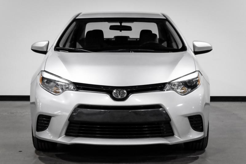 Toyota Corolla 2016 price $13,990