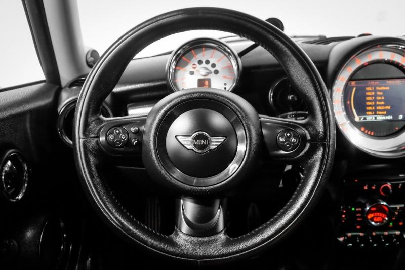 Mini Cooper Clubman 2014 price $13,990