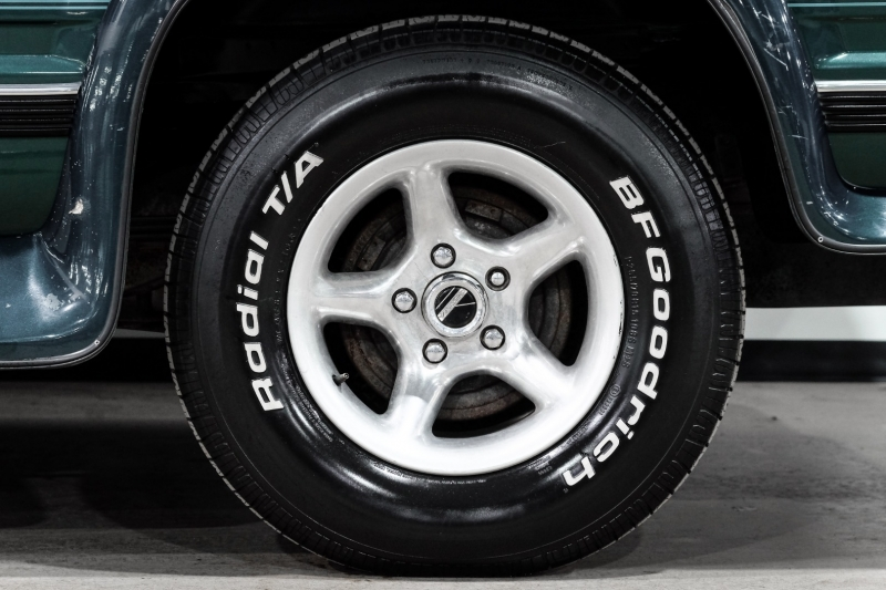 Chevrolet Suburban 1996 price $12,500