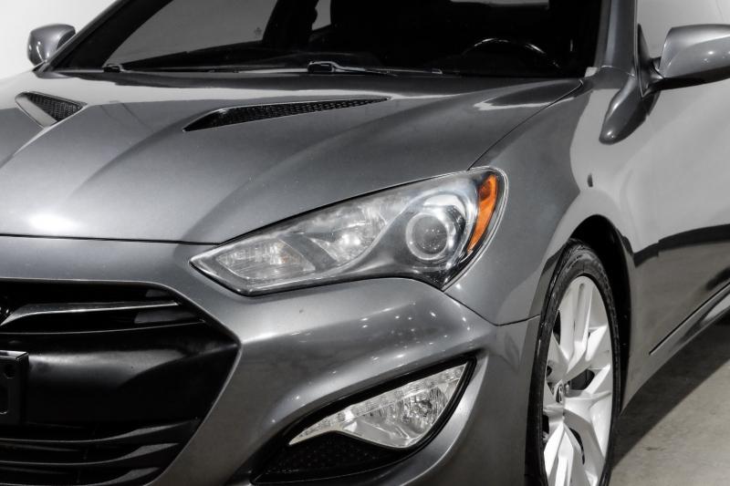 Hyundai Genesis Coupe 2013 price $12,990