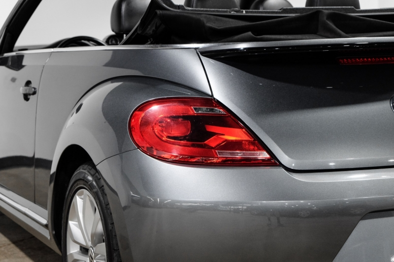 Volkswagen Beetle Convertible 2014 price $15,990
