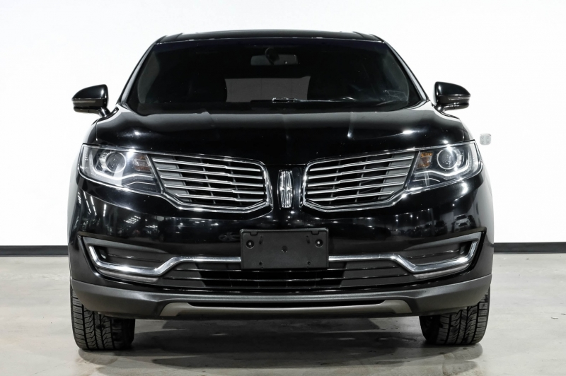 Lincoln MKX 2018 price $28,990