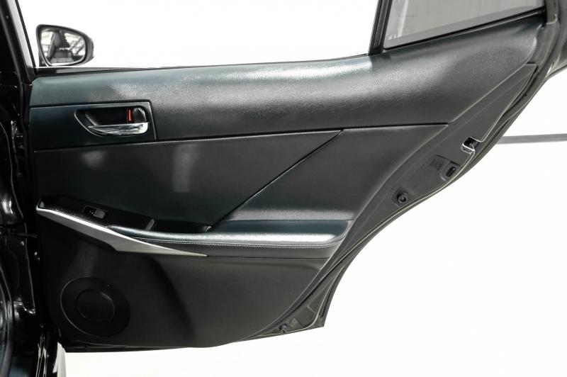 Lexus IS 200t 2016 price $25,990