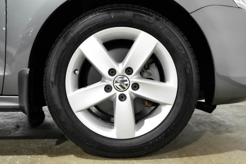 Volkswagen Jetta Sedan 2014 price $14,990