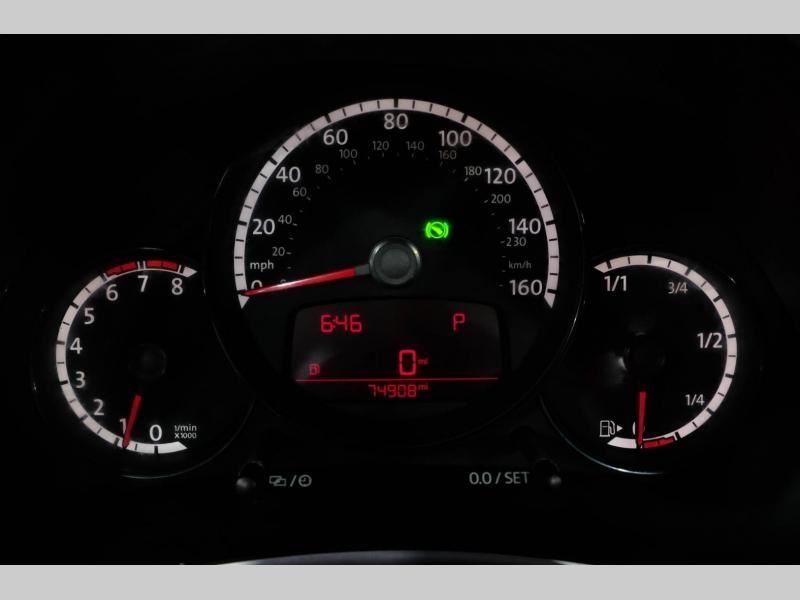 Volkswagen Beetle Convertible 2013 price $16,990