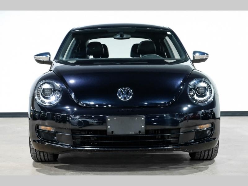 Volkswagen New Beetle 2013 price $19,990