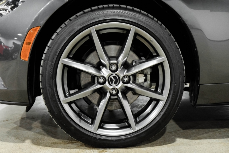 Mazda MX-5 Miata RF 2017 price $26,990