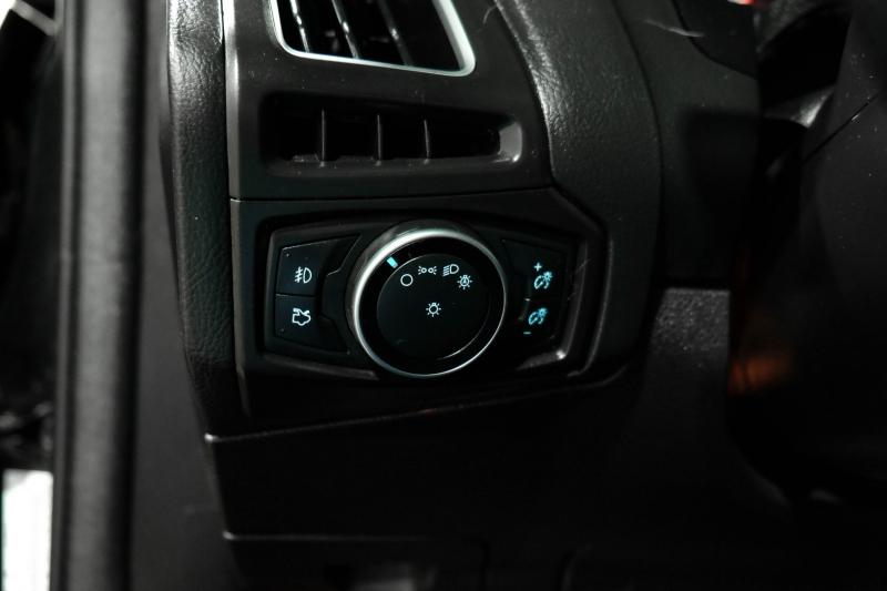 Ford Focus 2015 price $17,990
