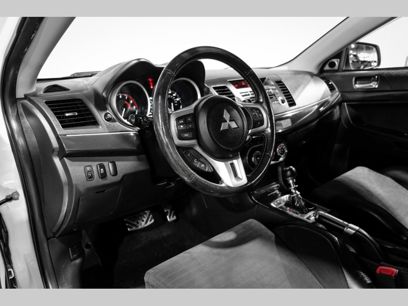 Mitsubishi Lancer 2011 price $21,990