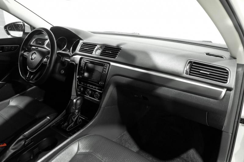 Volkswagen Passat 2017 price $18,990