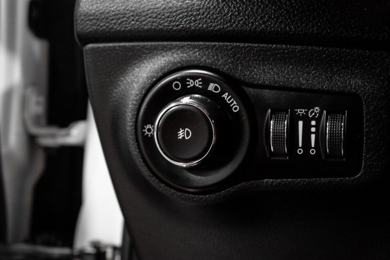 Jeep Compass 2018 price $25,990