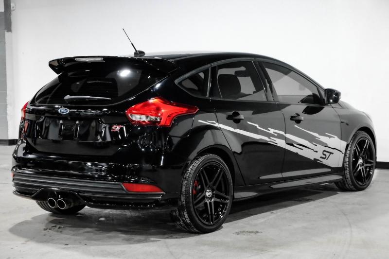 Ford Focus 2016 price $19,990