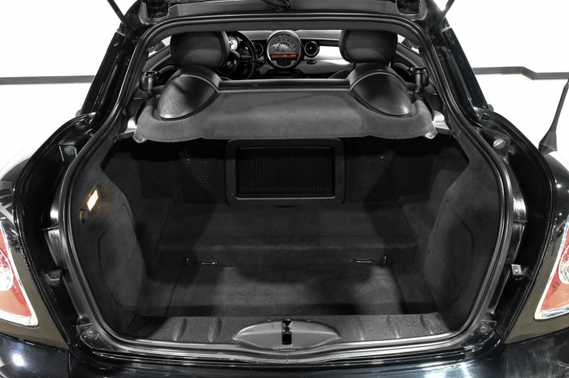 Mini Cooper Coupe 2013 price $8,990