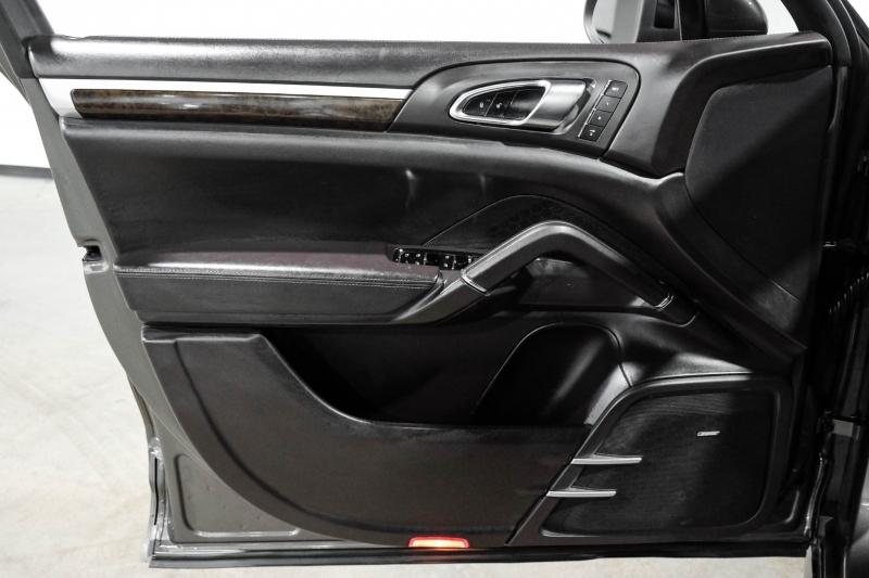 Porsche Cayenne 2014 price $36,990