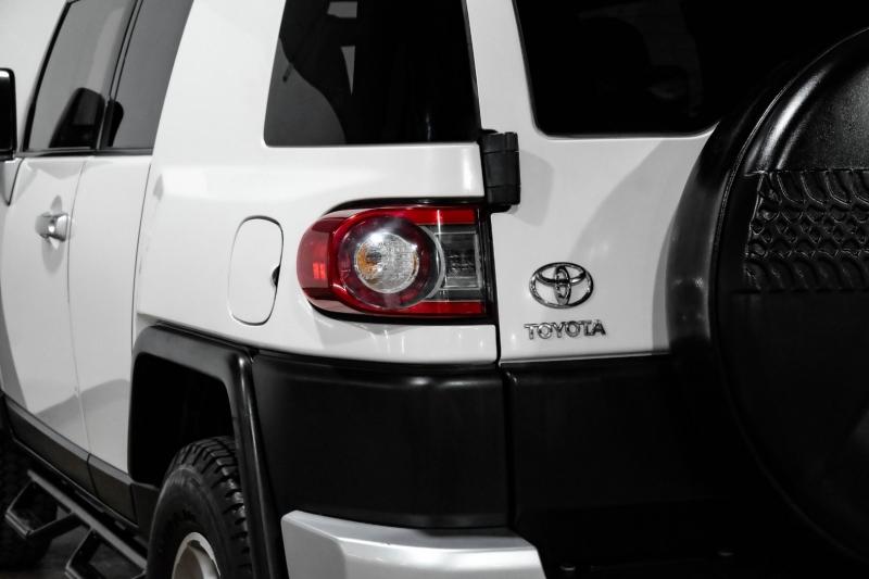 Toyota FJ Cruiser 2013 price $22,990