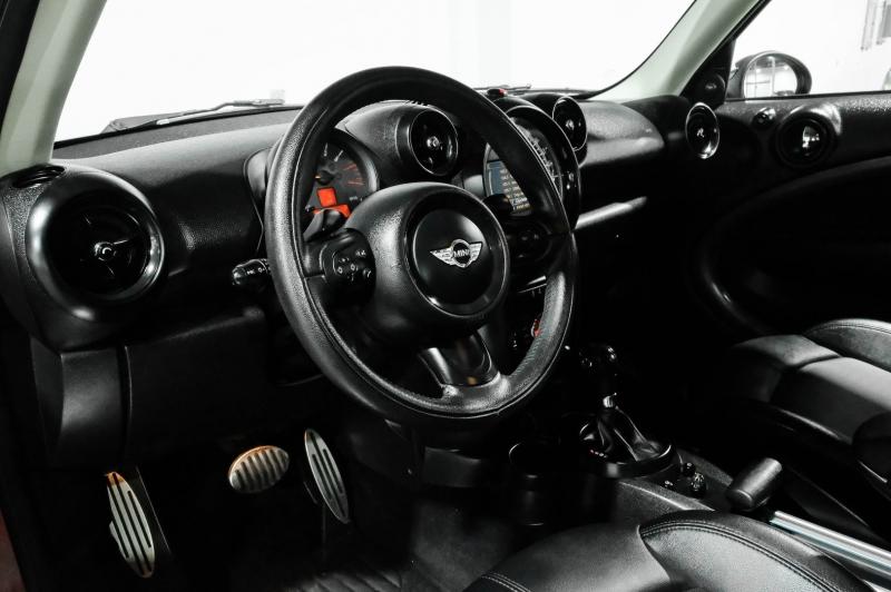 Mini Cooper Countryman 2016 price $17,990
