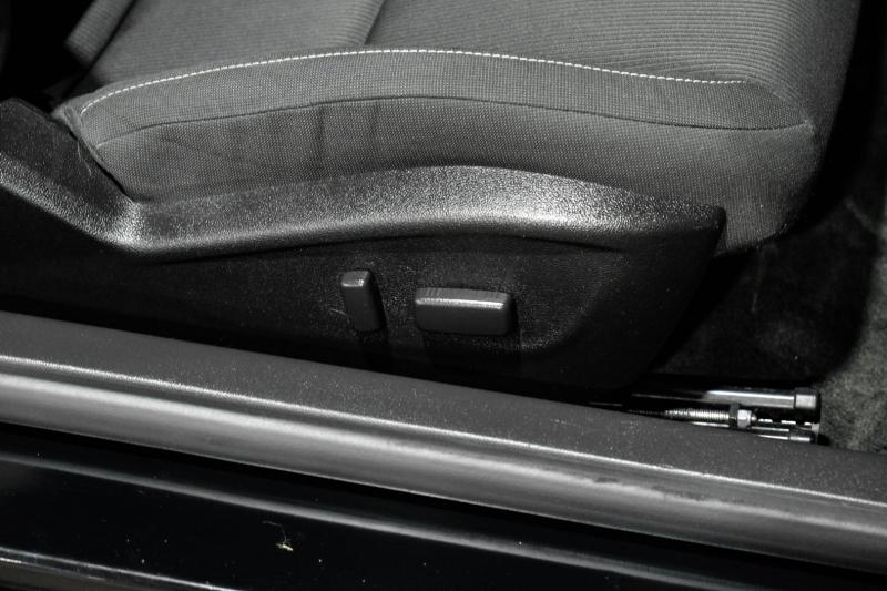 Chevrolet Camaro 2015 price $17,990