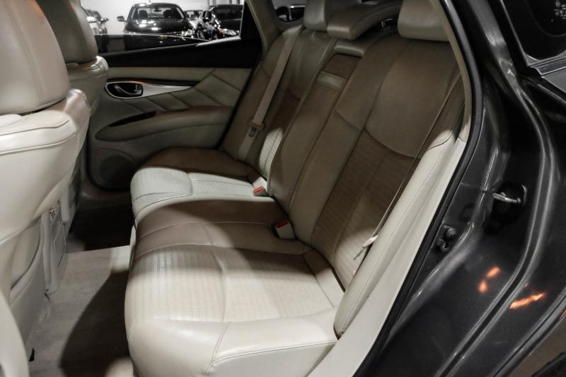Infiniti M56 2012 price $15,990