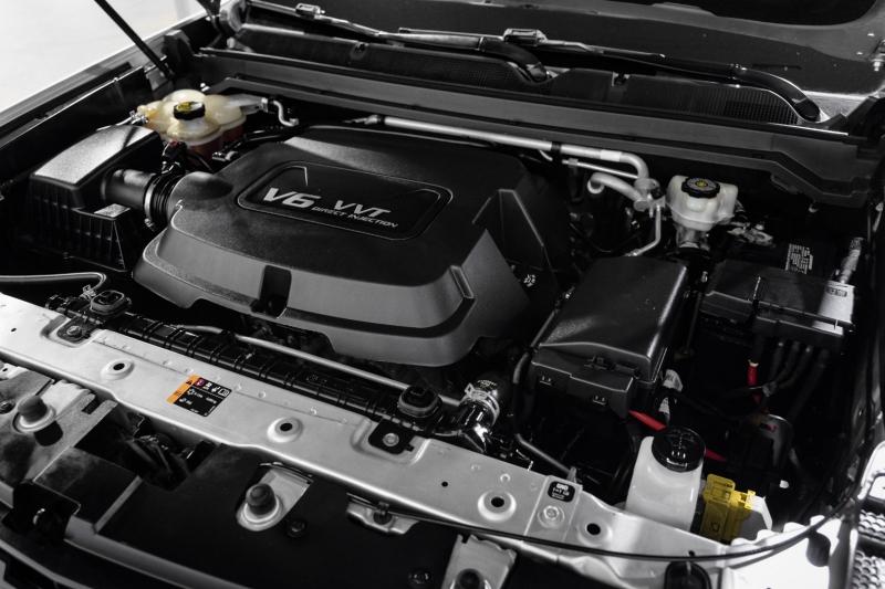 Chevrolet Colorado 2015 price $25,990