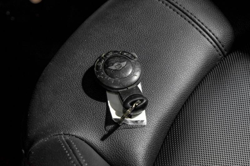 Mini Cooper Countryman 2012 price $9,990
