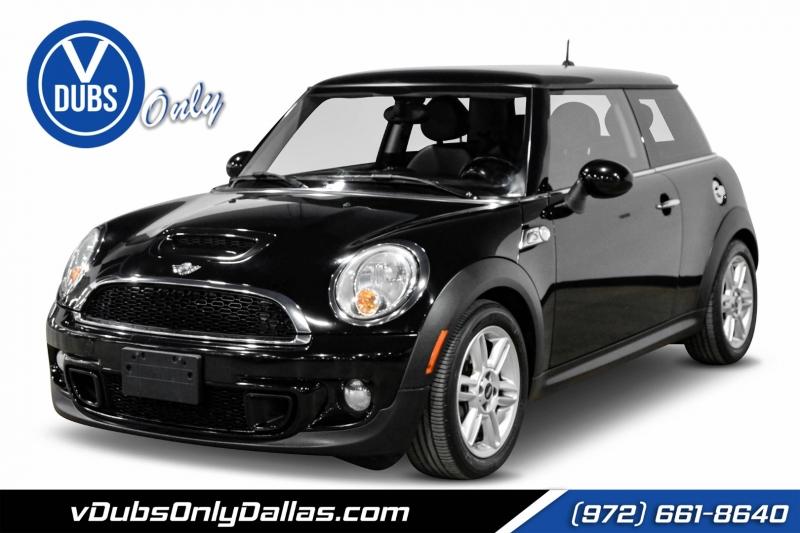 Mini Cooper Hardtop 2013 price $10,990