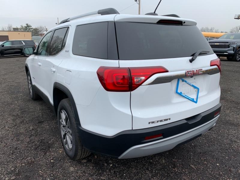 GMC Acadia 2019 price $35,200