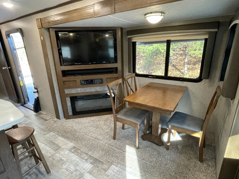 Forest River Rockwood Signature Ultra Lite 2020 price $32,999