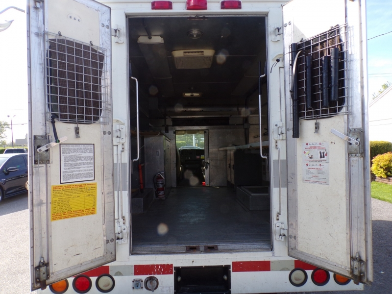 Chevrolet Express Commercial Cutaway 2005 price $6,500