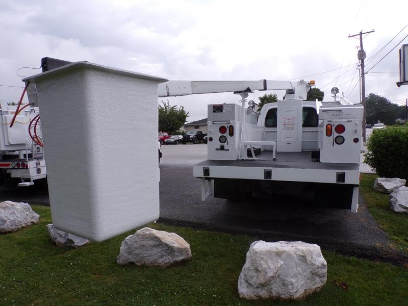 GMC C4500 2004 price $29,900