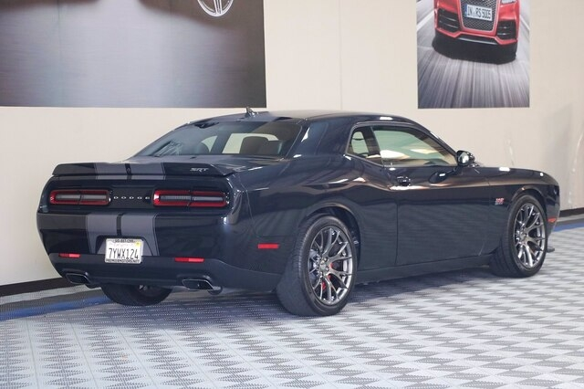 Dodge Challenger 2017 price $43,900