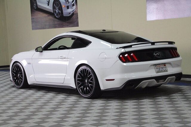 Ford Mustang 2016 price $30,800