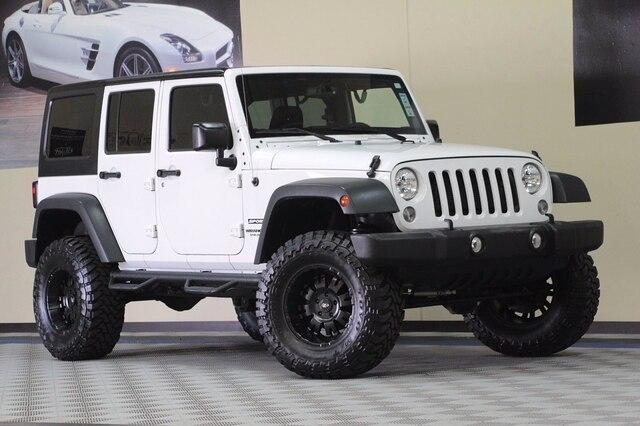 Jeep Wrangler Unlimited 2015 price $28,800
