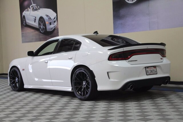 Dodge Charger 2018 price $40,900