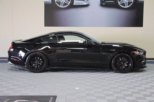 Ford Mustang 2016 price $35,900