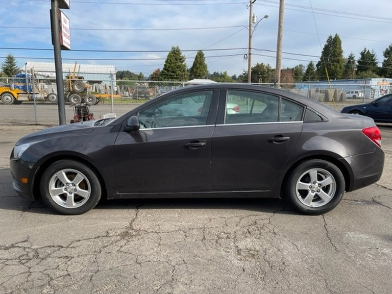 Chevrolet Cruze 2014 price $8,900