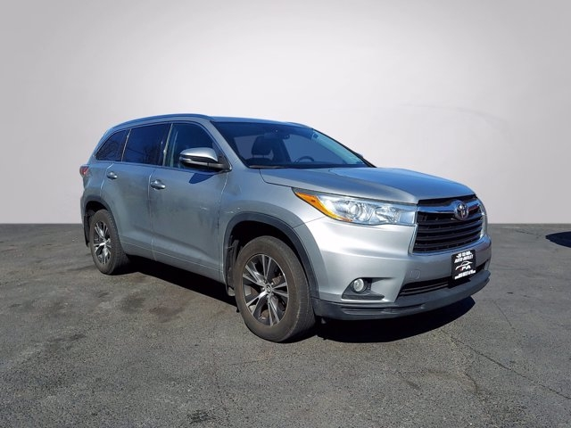 Toyota Highlander 2016 price Call for Pricing.